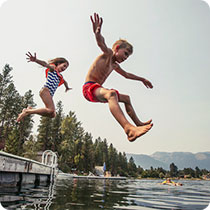 Kids-jumping-off-dock